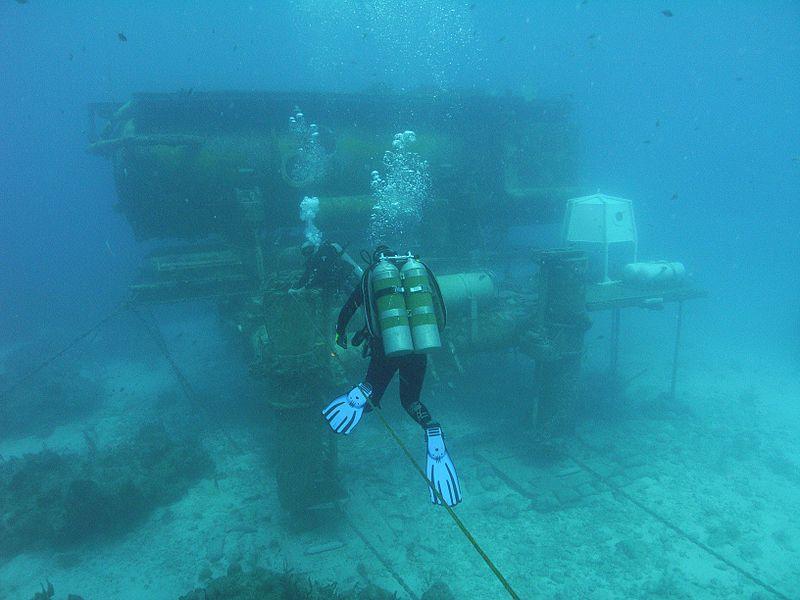 Aquanauts making their way into Aquarius base.